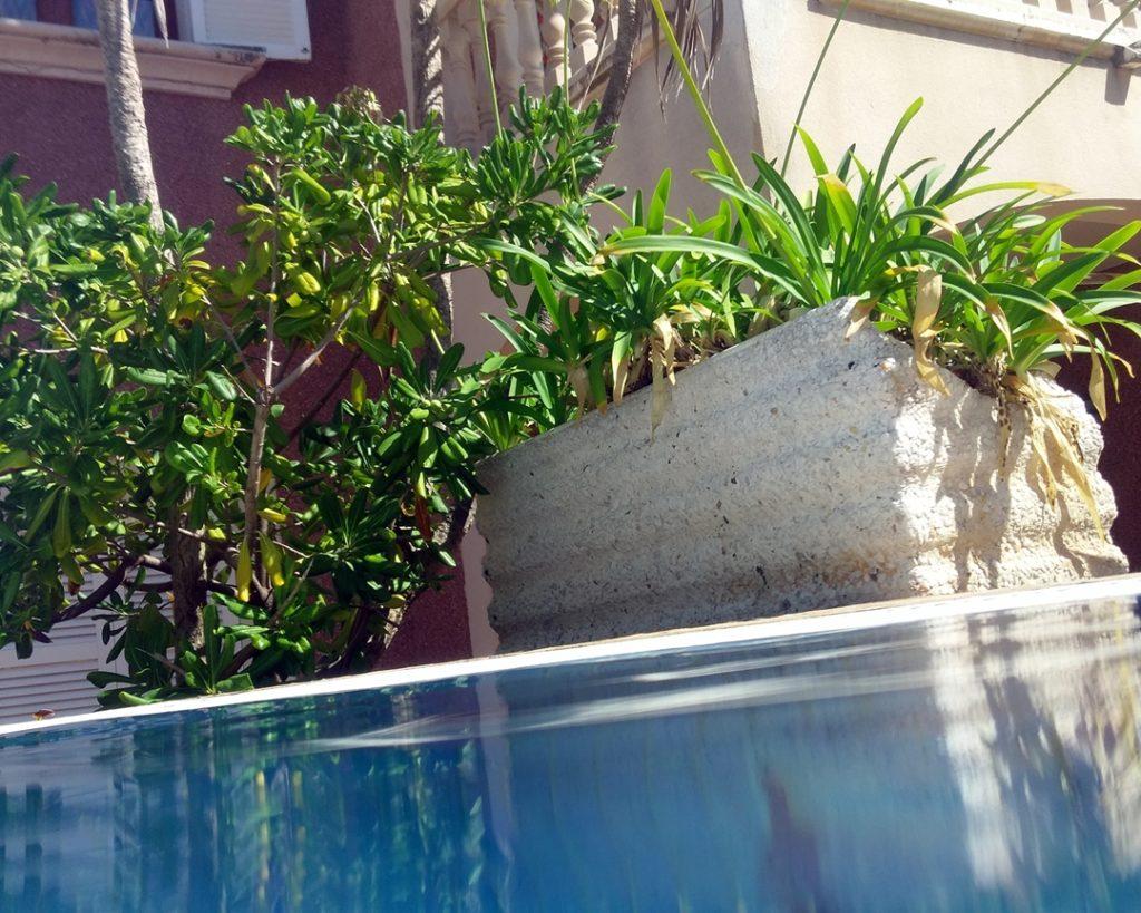 Wasserfeste Hülle Smartphone MPOW Pool Bild
