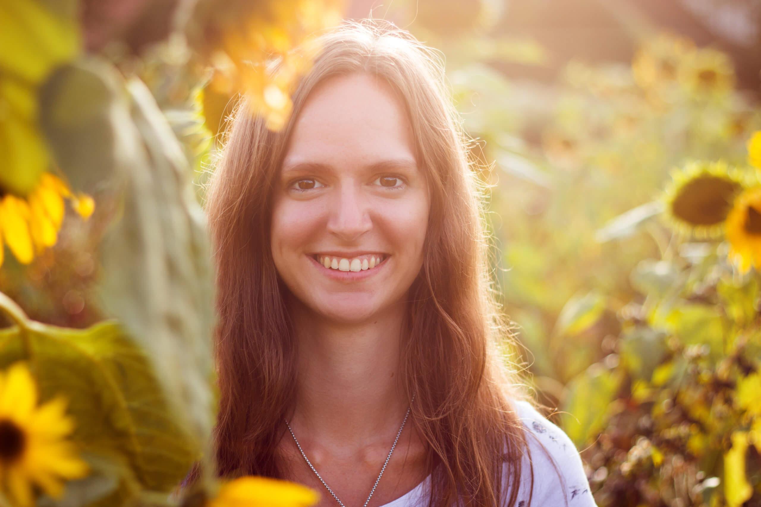 Gegenlicht-Fotografie Gegenlicht Fotografie Porträt Sonneblumenfeld